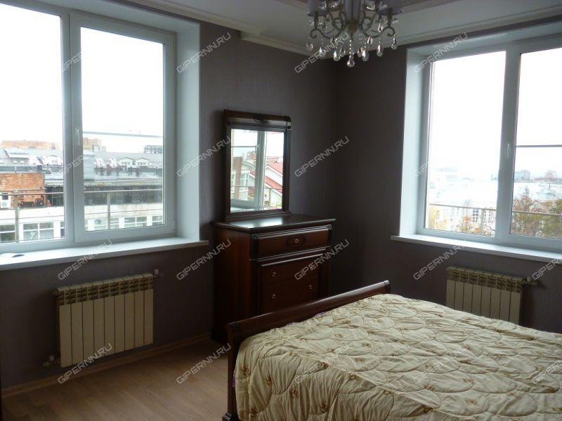 трёхкомнатная квартира на улице Короленко дом 19б